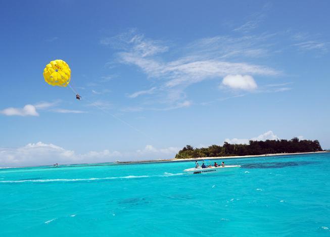 北马里亚纳群岛由14个热带岛屿所组成