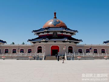 赤峰旅游景点大全  锡林浩特  锡林浩特市是内蒙古