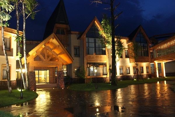 2网友最爱十大温泉之长白山蓝景温泉度假酒店