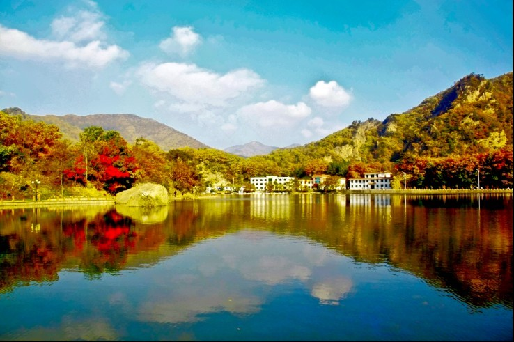 关门山分本溪关门山森林公园和关门山水库风景区是两个景区,相距十多