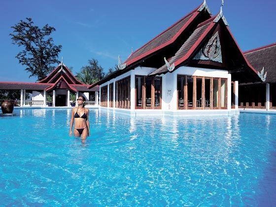 在泰国普吉岛度假时