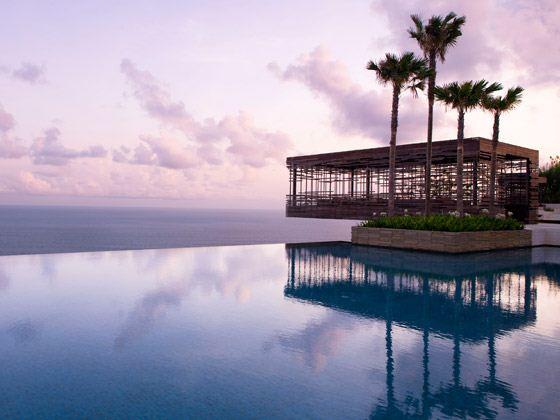 【十一专辑】巴厘岛6日品质之旅(2晚特色villa+2晚国际海边5星;印尼鹰